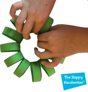 the-happy-handwriter-wreath-closing-circle